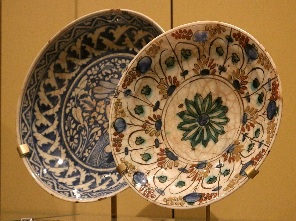 Persian-Potteries-17th-Century-Isfahan
