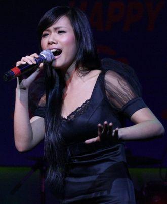 Vietnam Idol - Phương Vy, season one winner