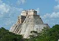 Pirámide en Uxmal.JPG