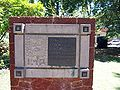 Placa conmemorativa en la Plaza Constitución - Paysandú.JPG