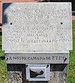 """Plaque trilingue """"Ici un patriote inconnu fut assassiné par les Allemand le 11 juillet 1944"""" à Villefranche-sur-Saône.jpg"""