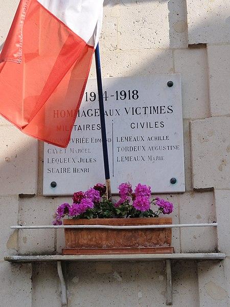 Ploisy (Aisne) plaque monument aux morts sur la mairie