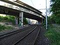 Pod Krejcárkem, most přes tramvajovou trať (01).jpg