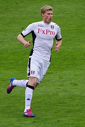 Pogrebnyak playing for Fulham in 2012.