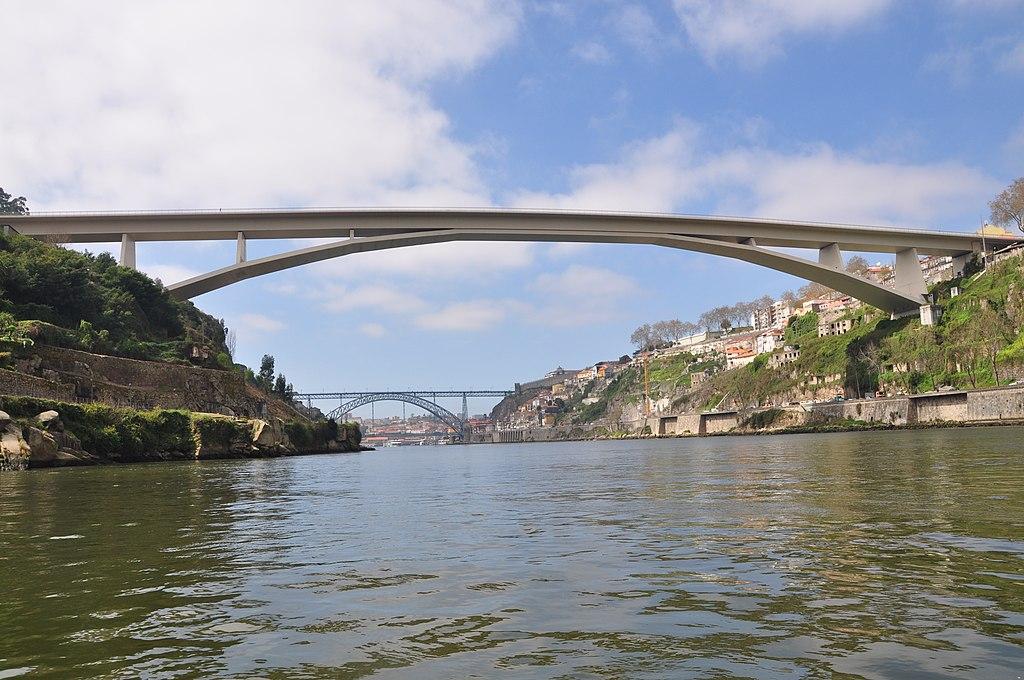 Pont Enfante D. Henrique à Porto - Photo de Laszlo Daroczy