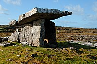 Poulnabrone Portal Tomb 640x480.jpg