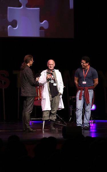 File:Prix ars electronica 2012 21 Joe Davis - Bacterial Radio.jpg