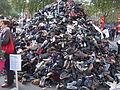 Pyramide de chaussure 2015, Paris (9).jpg