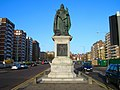 Queen Victoria Statue, Grand Avenue - geograph.org.uk - 302412.jpg