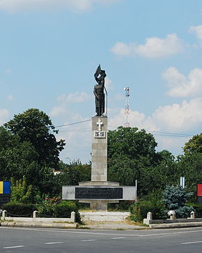 RO VN Adjud WWI monument.jpg