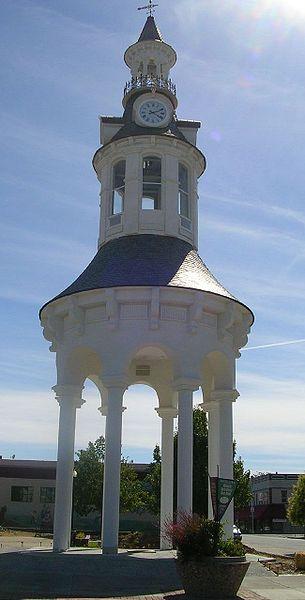 File:Red Bluff new clocktower.jpg