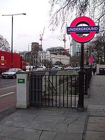 Regent's Park stn entrance look east.JPG