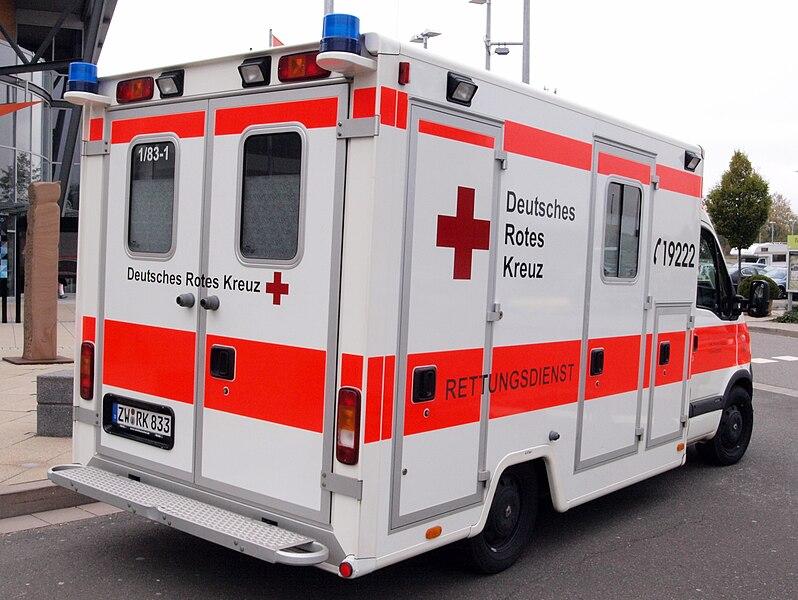 File:Renault Rettungsdienst, Deutsches Rotes Kreuz Kreisverband Südwestpfalz pic3.jpg