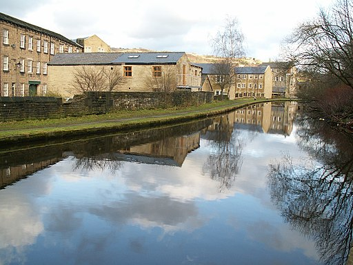 Rochdale Canal at Todmorden - geograph.org.uk - 302689