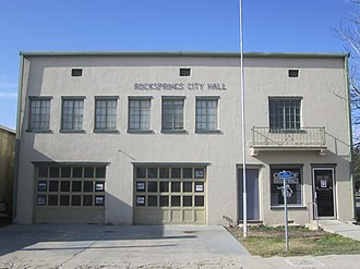 Rocksprings, Texas - Image: Rocksprings, TX, City Hall IMG 1347