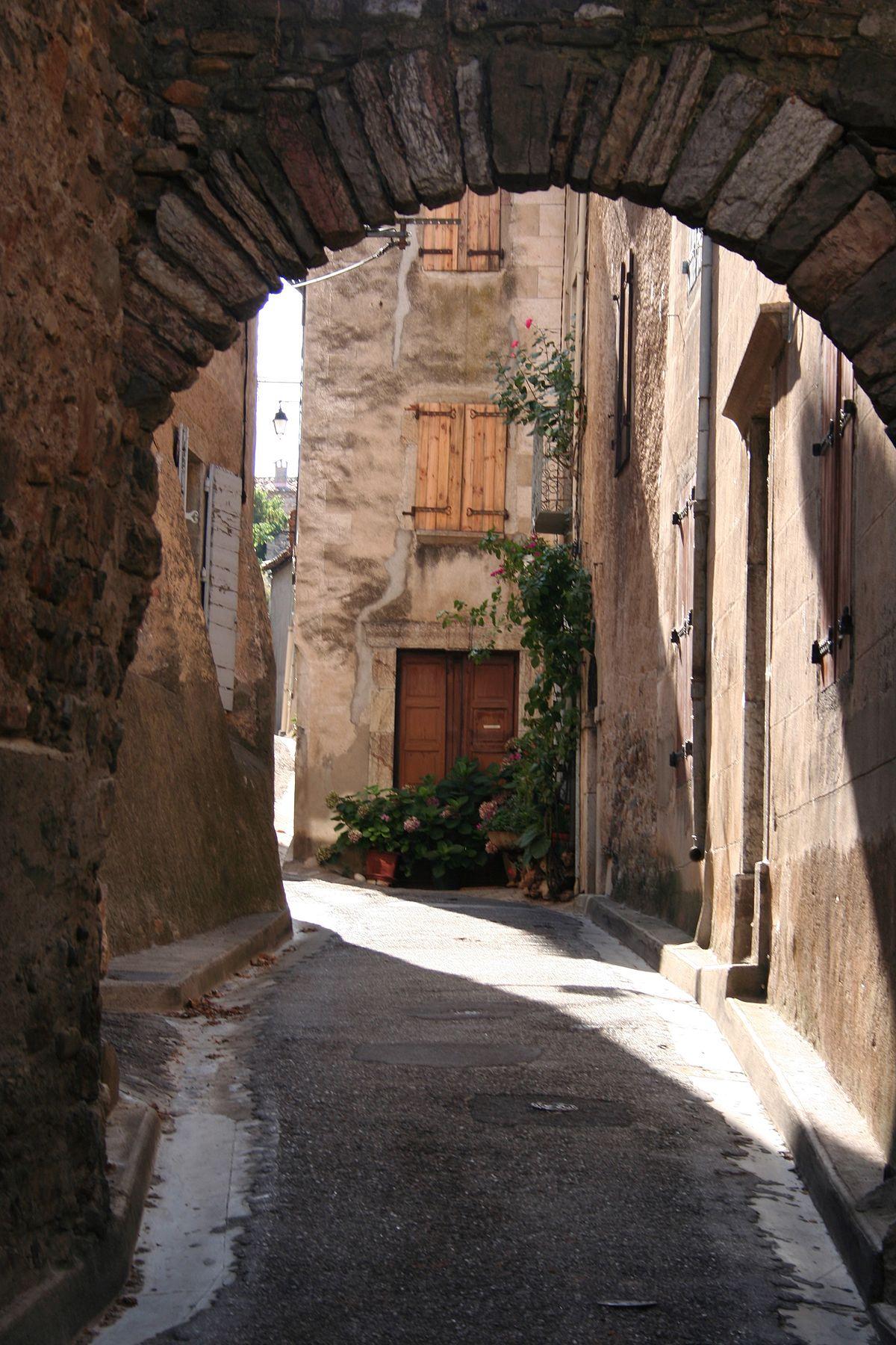 Roquebrun-Ruelle-04.jpg