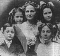 Rose Selfridge and familiy 1909.jpg