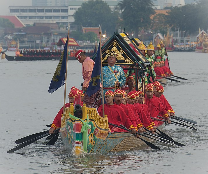 File:Royal Boating Ceremony, Bangkok, Thailand 20121106-551 5399.jpg