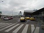 Ruzyně, letiště, terminál 1, taxíky, řídicí věž.jpg