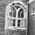 Sacristie oostelijk beneden raam met ontpleisterde dagkanten - Groningen - 20093127 - RCE.jpg