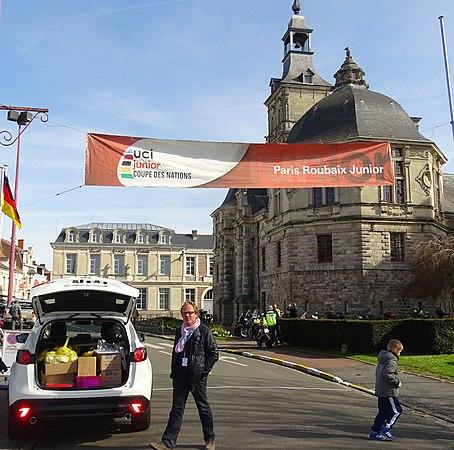 Saint-Amand-les-Eaux - Paris-Roubaix juniors, 12 avril 2015, départ (A13).JPG