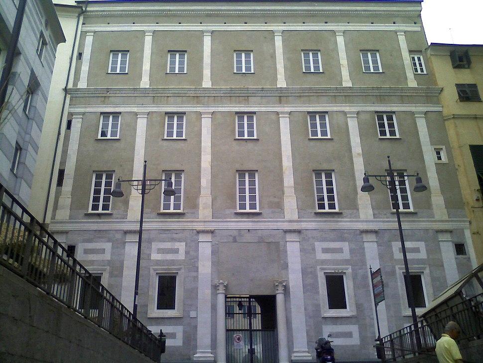 Savona-palazzo Della Rovere-lato est