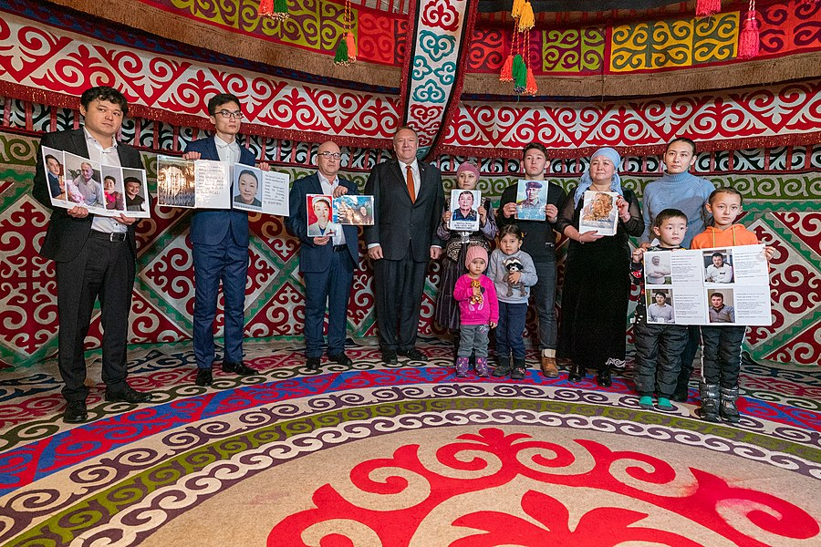 Secretary Pompeo Meets With Family Members of Ethnic Kazakh-Chinese in Xinjiang (49476563847).jpg