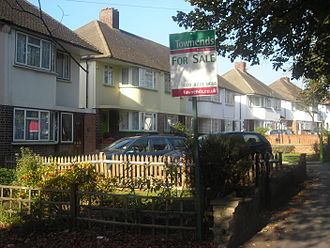 Estate agent - Image: Semi detached Croydon