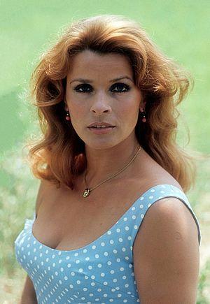 Senta Berger - Berger in 1975