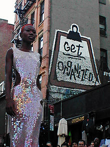 Sequin dress by David Shankbone.jpg