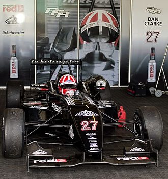 Double R Racing - Dan Clarke prepares to race in his Dallara-Mugen-Honda during the 2005 season