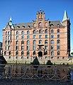 Speicherstadt (Hamburg-HafenCity).Block H.Fleetseite.schräg.ajb.jpg