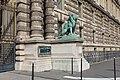 Statue Lion Porte Lions Palais Louvre Paris 3.jpg