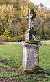 Stone cross in Nauviale 02.jpg