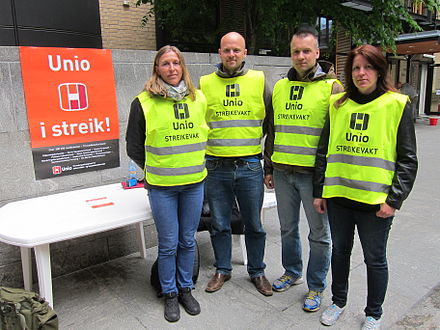 Workers on strike in Oslo, Norway, 2012 Striking workers organised in the Norwegian labour union UNIO.JPG