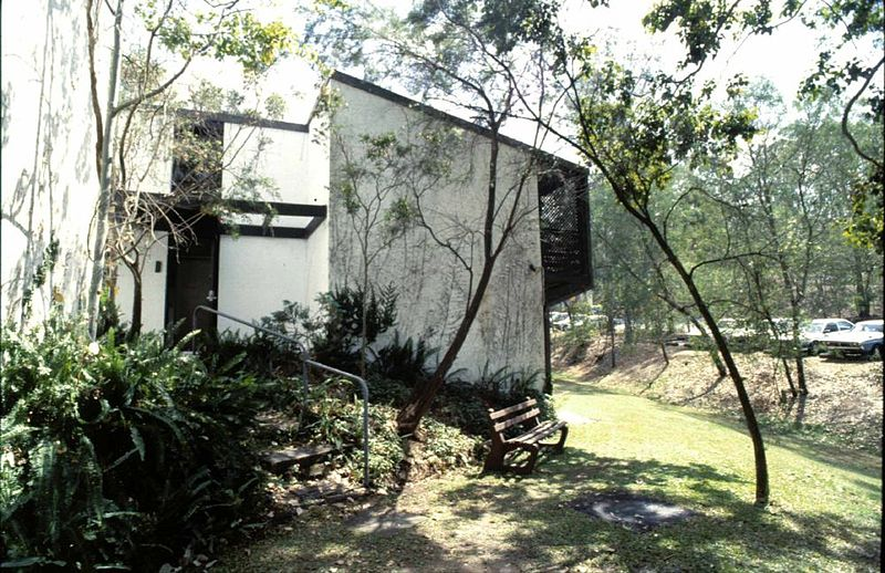 file student residences qut kelvin grove campus grounds. Black Bedroom Furniture Sets. Home Design Ideas