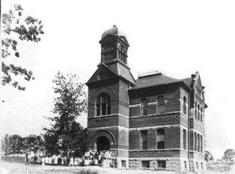 Swansea, Toronto - Swansea Public School, c. 1908.