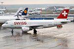 Swiss, HB-IPU, Airbus A319-112 (31302546611).jpg