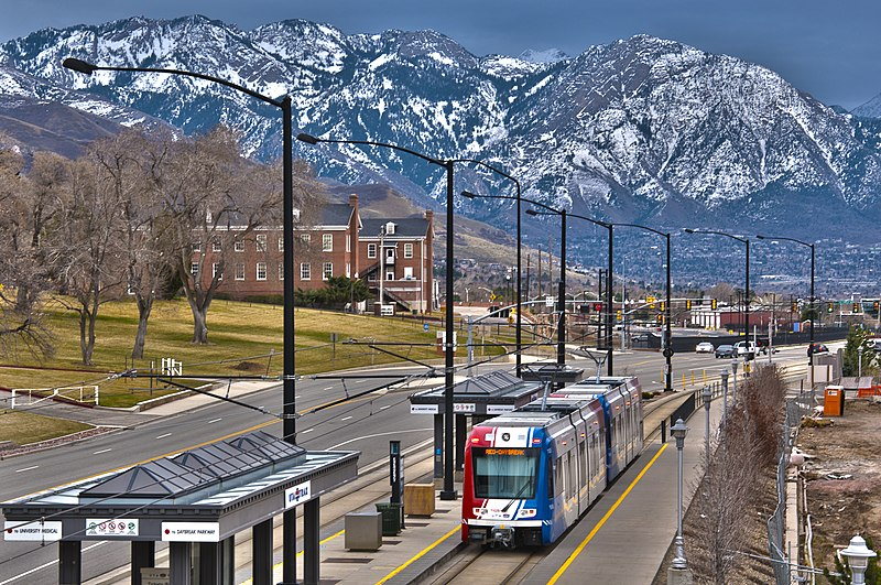 File:TRAX Red Line to Daybreak at Fort Douglas Station.jpg