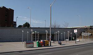 Leslie station - Image: TTC Leslie 1