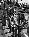 TT te Assen De zijspan klasse John Hartle met krans, Bestanddeelnr 915-3155.jpg