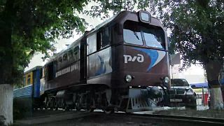 Файл:TU2-173 with passenger train, Rostov children's railway.webm