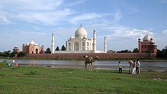 Das Taj Mahal an der Yamuna