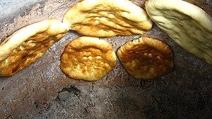 Tandoor bread - Image: Tandoor bread 1