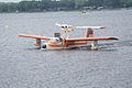 Thurston TSC-1A1 N897TB Landing 06 SNFSI FOF 15April2010 (14629850282).jpg
