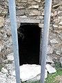 Tiebas - Vista del acceso a la bodega del castillo.jpg