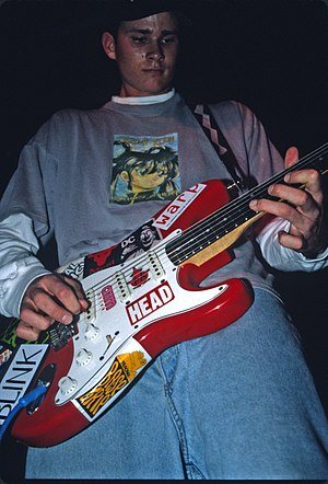 Tom DeLonge - Tom Delonge performing at an early Blink-182 show