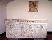 Tomb of pope Urbanus VI.jpg