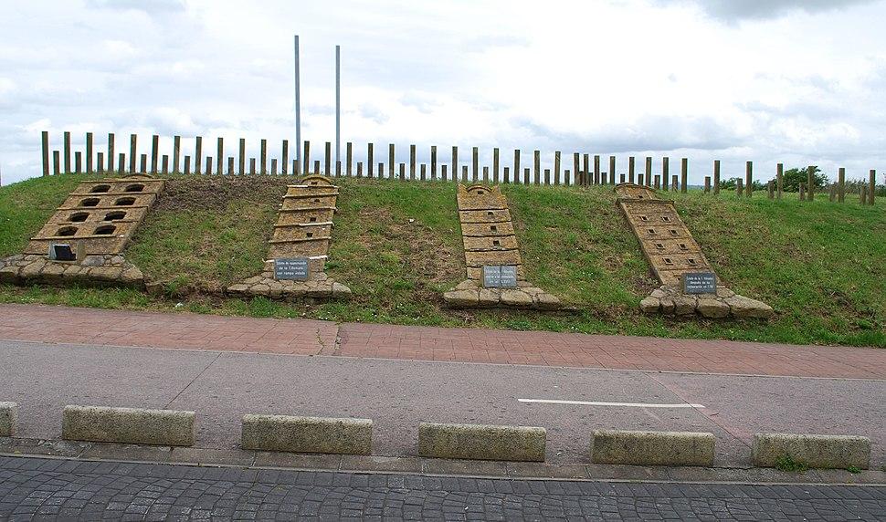 Distintos estadios na historia da Torre de Hércules.