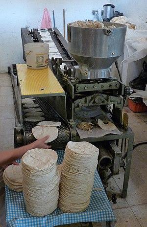 Wheat tortilla - Tortilla machine (Xochimilco market)